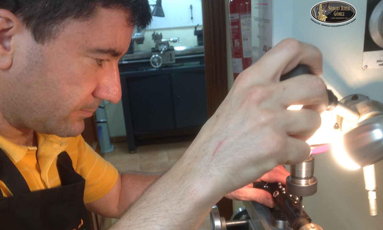 Arreglar-espiga-clarinete-rota_Sergio-Jerez_Bricomusicos-ocho